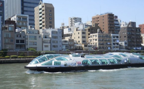 Himiko on Sumida River